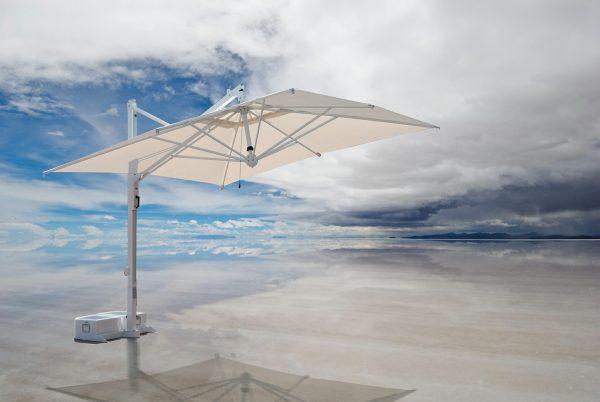 veneto cantilever umbrella at salar de uyuni, salt lake in bolivia