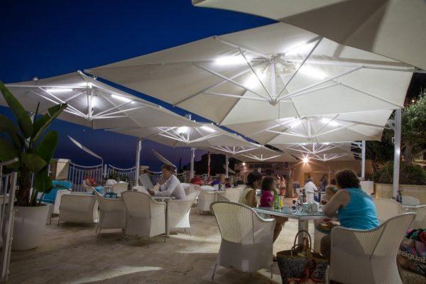 veneto maxi umbrellas at an outdoor dining area