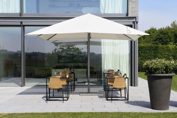 p8 umbrella shading dinner table