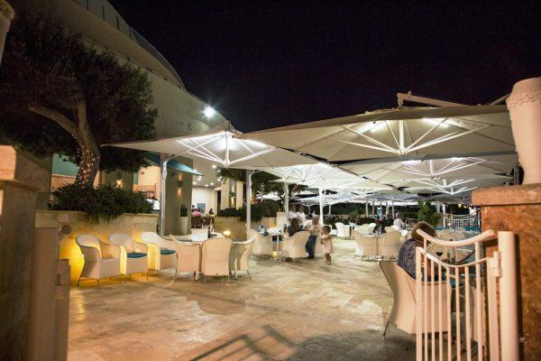 veneto maxi umbrellas covering an outdoor dining area